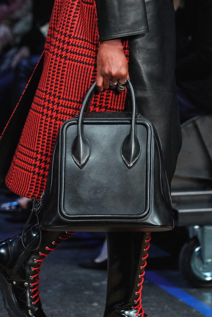 Detalhes Alexander McQueen Outono 2019