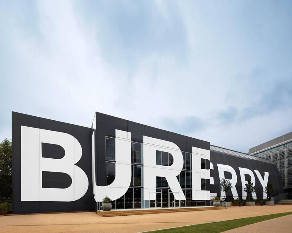 Desfile da Burberry é carbono neutro
