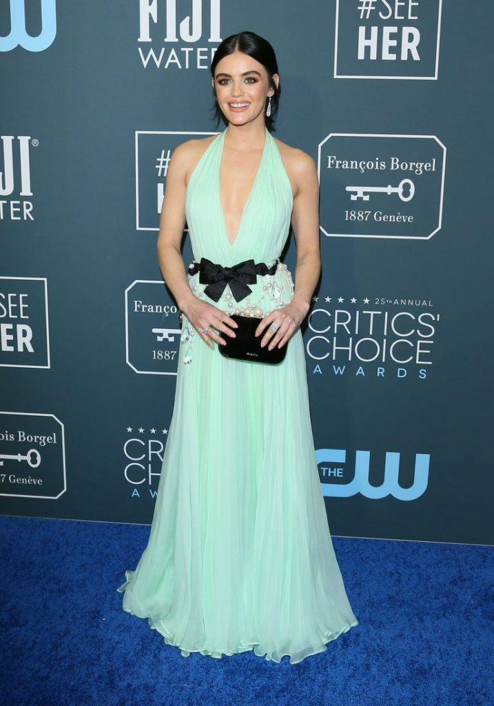 Lucy Hale de Miu Miu no Critics' Choice Awards 2020