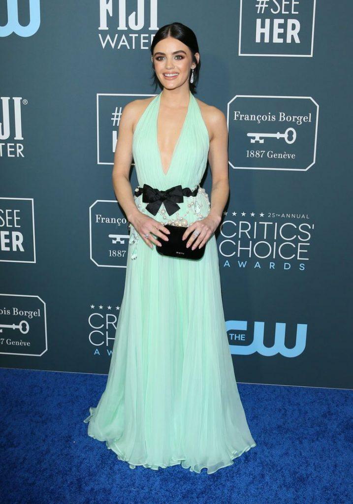 Lucy Hale de Miu Miu no Critics' Choice Awards 2020