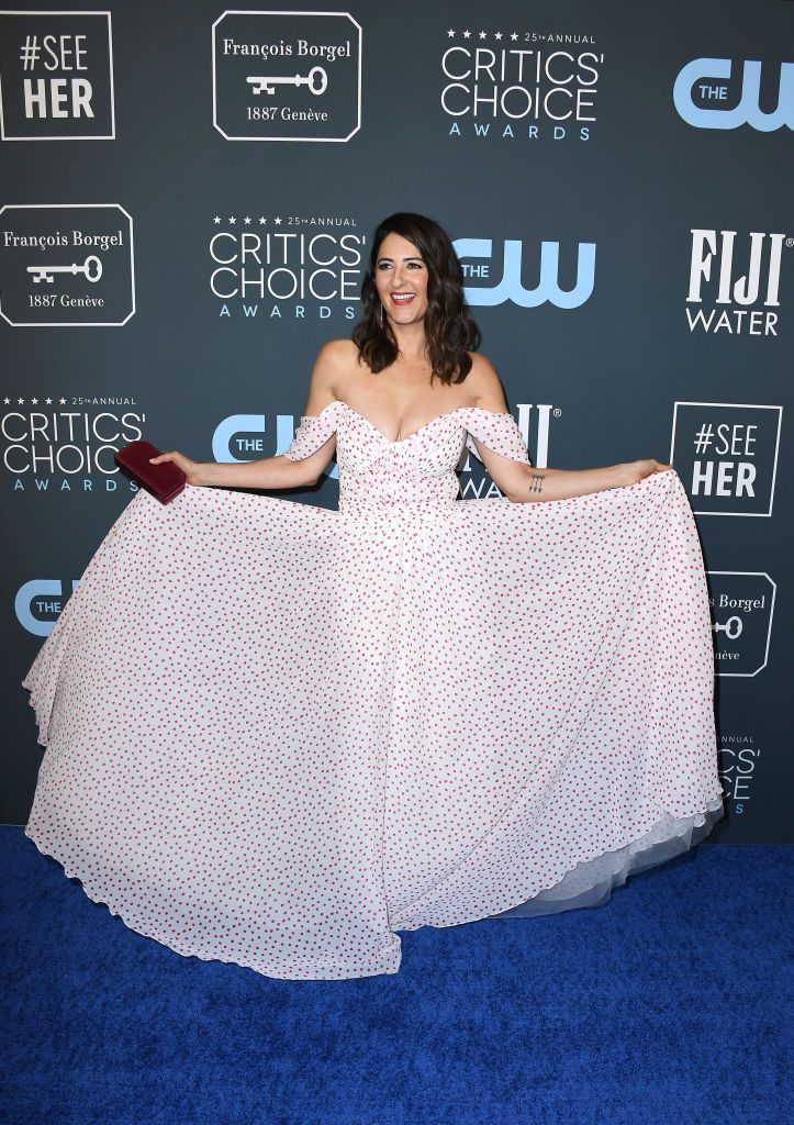 D'Arcy Carden de Tadaji Shoji no Critics' Choice Awards 2020