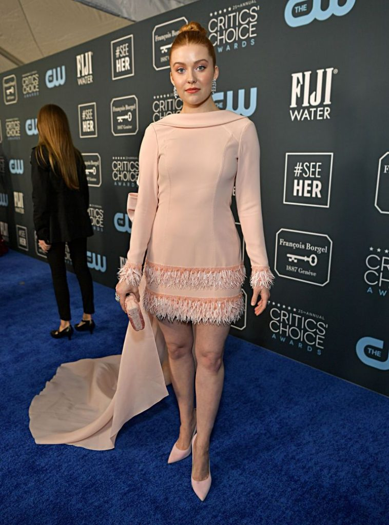 Kennedy McMann de Georges Chakra no Critics' Choice Awards 2020