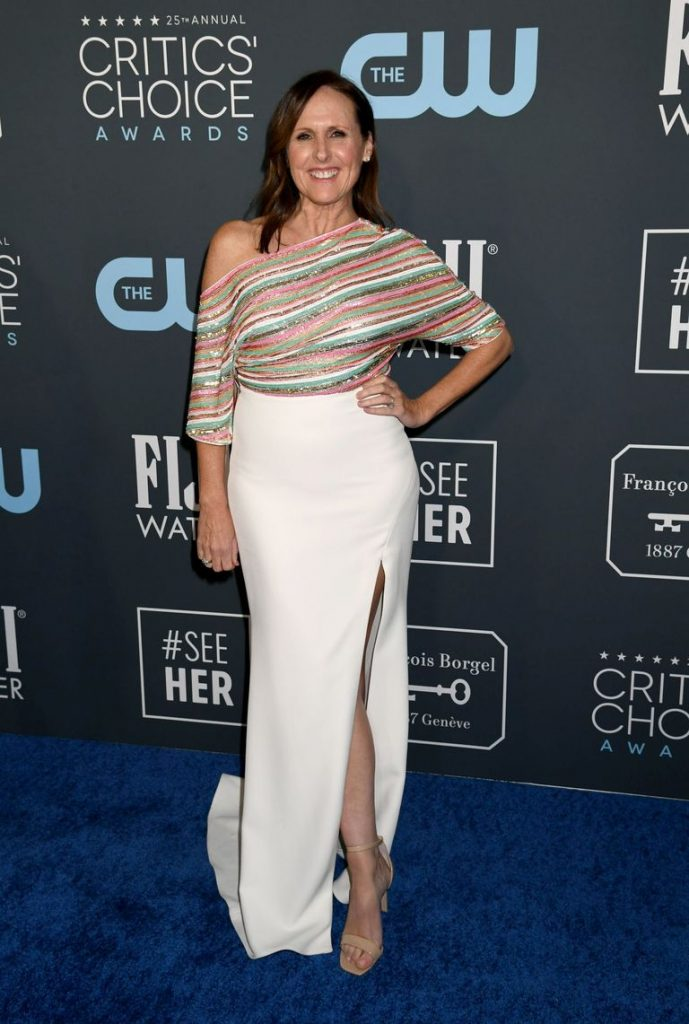 Molly Shannon de Badgley Mischka no Critics' Choice Awards 2020